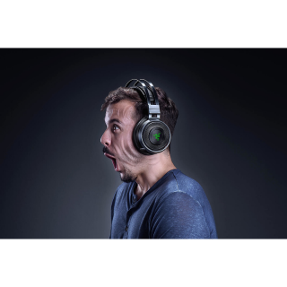 Wired/Wireless Gaming Headset - Razer Nari