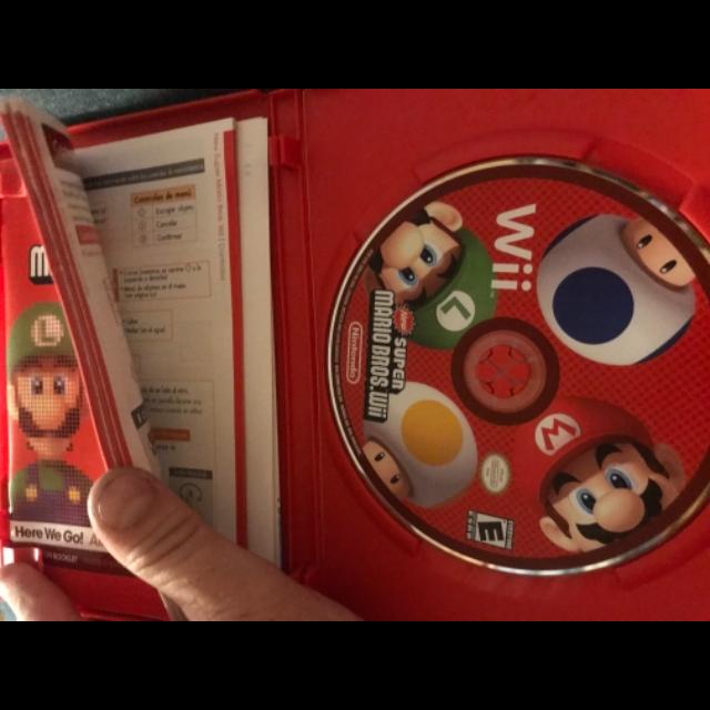 New Super Mario Bros Wii 100% complete MINT