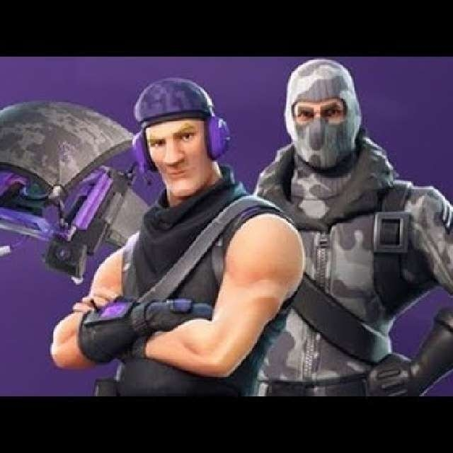 2 skins for fortnite ps4 pc and xbox - how do you gift fortnite skins