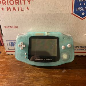 *Mint* Glow In The Dark Gameboy Advance.
