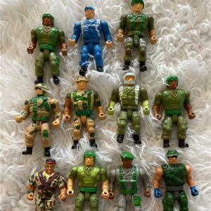"Small Soldiers Action Figures Approximately 2"" Tall"