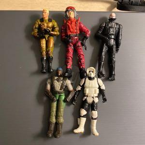 02-05 Hasbro 3.75 action figures