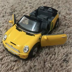 "5"" Mini Cooper S Convertible, Ruby - Kinsmart"