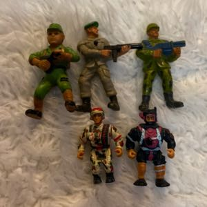 five vintage soldiers action figures