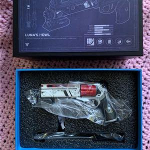 Destiny 2 Lunas howl 1/4th scale replica Bungie rewards