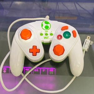 PDP Wired Fight Pad for Wii/ Wii U [Yoshi Edition]