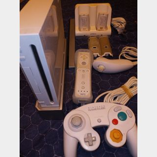 WII CONSOLE COMPLETE WITH EXTRAS